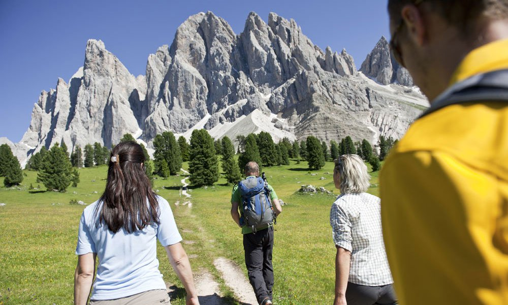 Paradiso escursionistico e vie ferrate a Funes