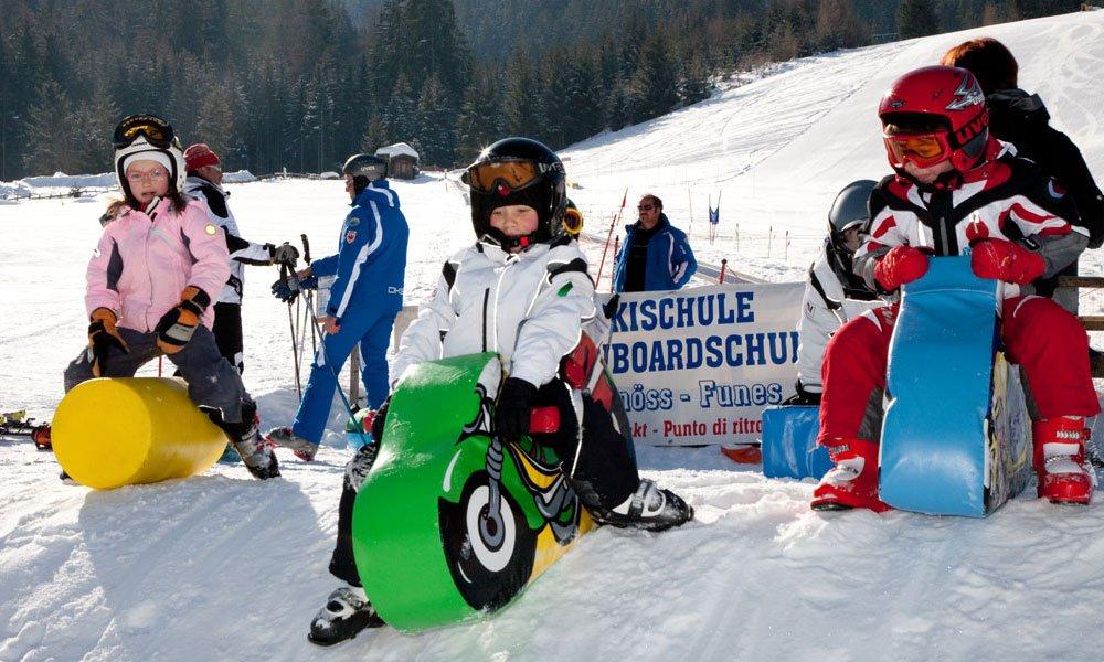 Spielerisch Skifahren lernen