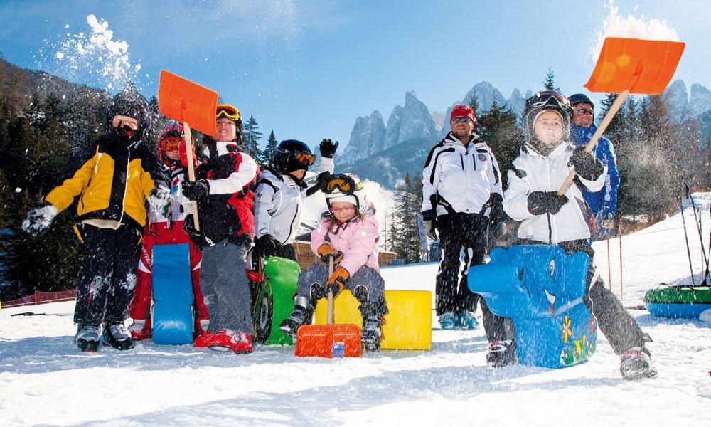 Familienprogramm im Winterurlaub